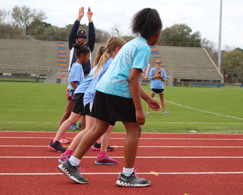 children at track start